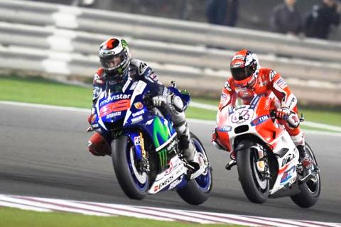 (MotoGP 2015 – Chặng 1) Valentino Rossi giành chiến thắng chặng mở màn Motor GP 2015